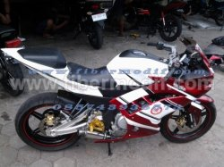 BODI CUSTOM NEW VIXION LIGHTNING MODEL R15 merah putih
