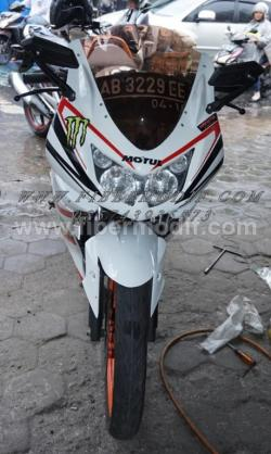 FULL FAIRING MODEL NINJA 250FI terpasang di cb150r