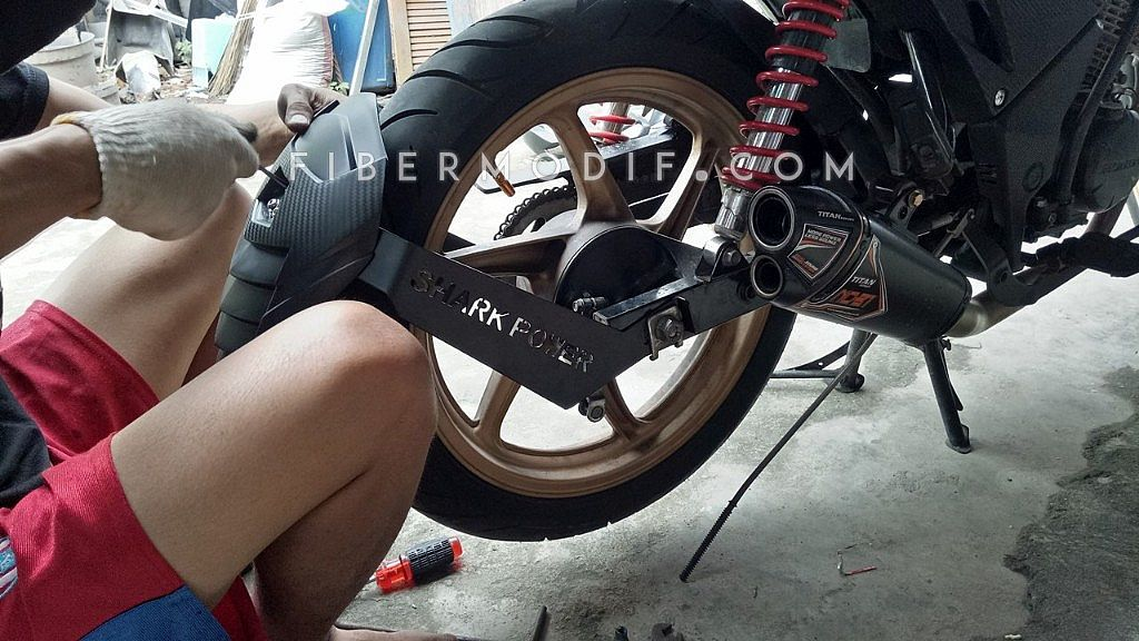 [Terpasang di Verza] Mud Guard Shark Power