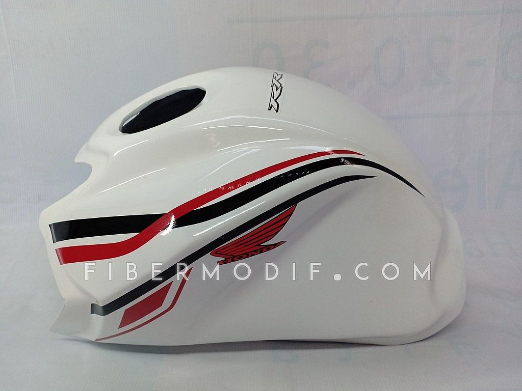 Kondom Tangki New CB150R White Gloss Simple Black Red Swril