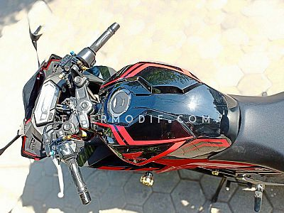 Cover Headlamp + Kondom Tangki model CBR250RR - Black Gloss Red Tribal Striped
