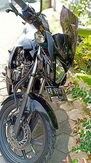 [Terpasang] Fairing Custom model Ninja 150 FI untuk Verza 150 - Black Glossy n Red Gray Strip